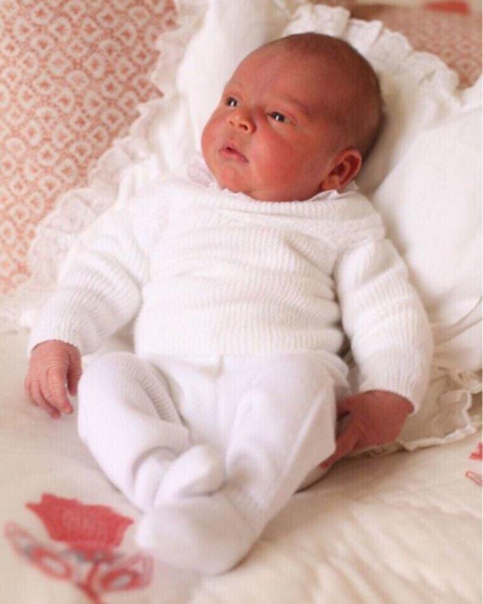 Βασιλική βάπτιση: Οι νονοί έκπληξη - Γιατί δεν θα πάει η βασίλισσα