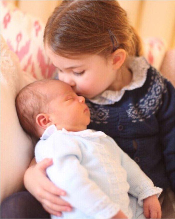 Βασιλική βάπτιση: Οι νονοί έκπληξη - Γιατί δεν θα πάει η βασίλισσα - εικόνα 3