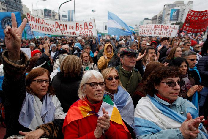 Οργή στην Αργεντινή για την συμφωνία Μάκρι με το ΔΝΤ - εικόνα 2