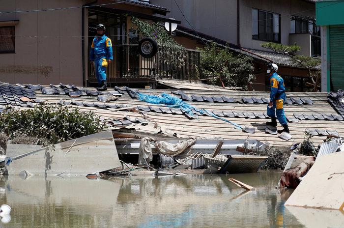 Έφτασαν στους 156 ο νεκροί από τις πλημμύρες στην Ιαπωνία (φωτό) - εικόνα 2