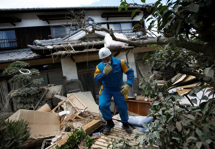 Έφτασαν στους 156 ο νεκροί από τις πλημμύρες στην Ιαπωνία (φωτό) - εικόνα 3