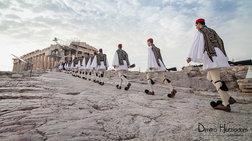 Έκθεση φωτογραφίας «Εύζωνες / Οι φύλακες των αφανών» στην Κρήτη