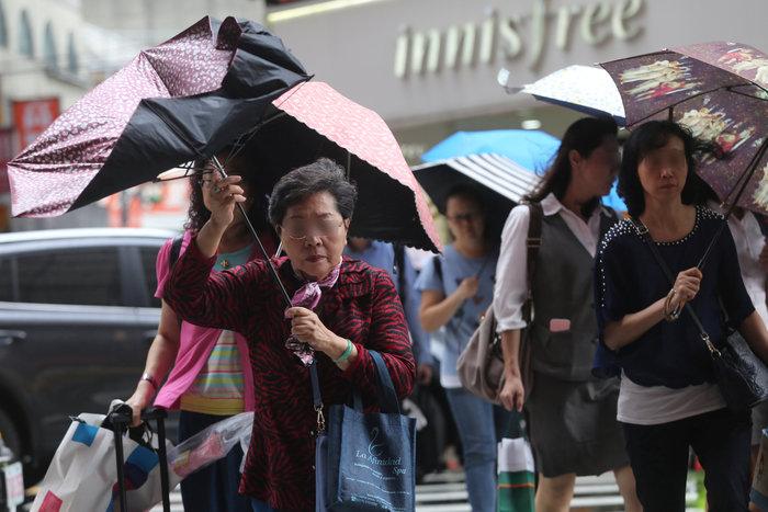 Ο τυφώνας Μαρία απειλεί την Ταϊβάν: Απομακρύνθηκαν 2.000, έκλεισαν σχολεία - εικόνα 5