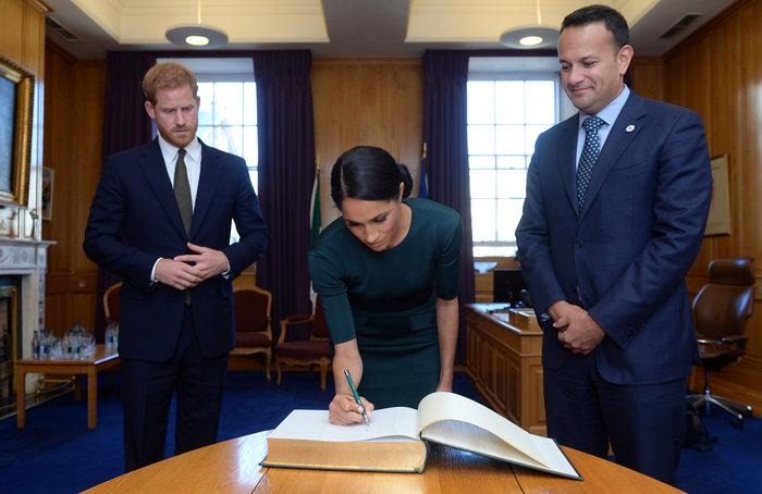 Στο Δουβλίνο πρίγκιπας Χάρι και Μέγκαν: πρώτο επίσημο ταξίδι μετά τον γάμο - εικόνα 5