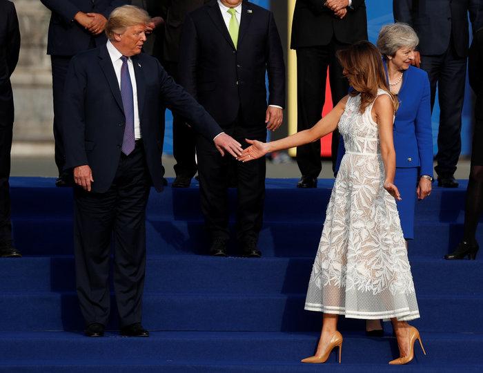 Χαμόγελα, αγκαλιές & φιλιά από τη Μελάνια στη Σύνοδο του ΝΑΤΟ - εικόνα 5