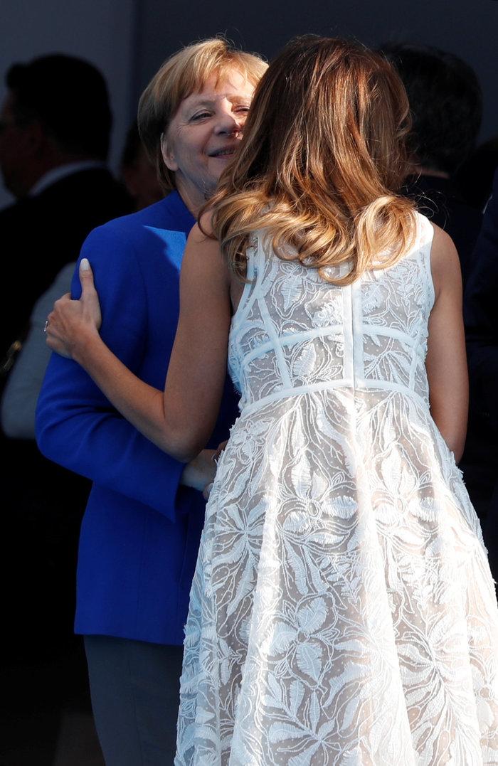 Χαμόγελα, αγκαλιές & φιλιά από τη Μελάνια στη Σύνοδο του ΝΑΤΟ - εικόνα 13