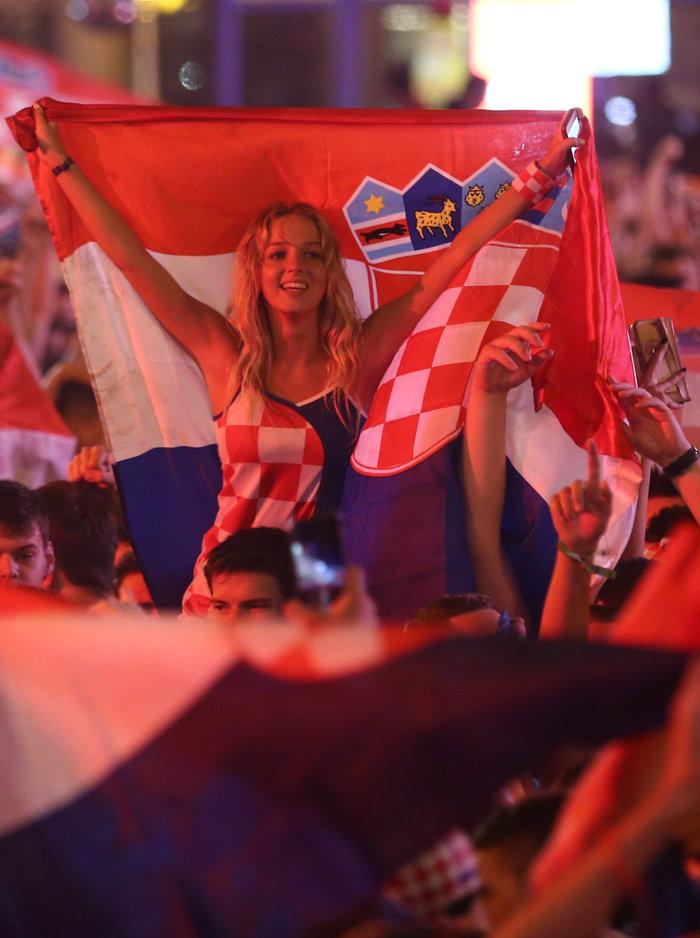 «Κάηκε» το Ζάγκρεμπ μετά την ιστορική πρόκριση της Κροατίας - εικόνα 3