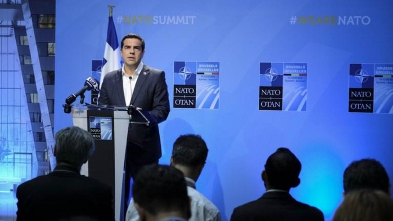 tsipras-meizon-thema-i-kratisi-twn-2-ellinwn-stratiwtikwn