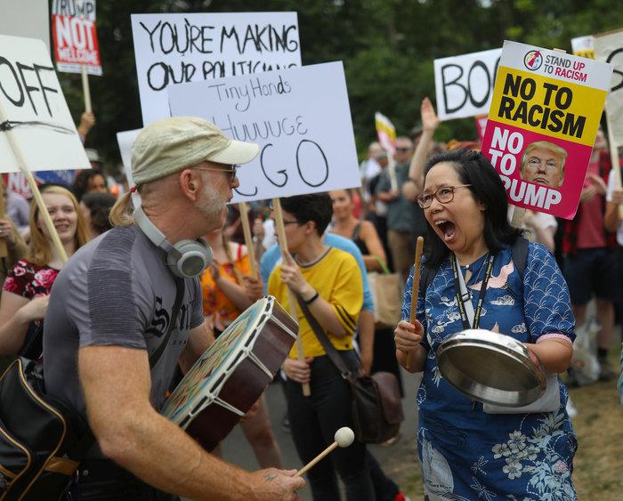 Διαδήλωση στο Λονδίνο κατά της επίσκεψης Τραμπ Εικόνες - εικόνα 2
