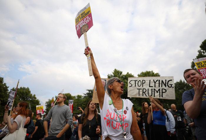 Διαδήλωση στο Λονδίνο κατά της επίσκεψης Τραμπ Εικόνες - εικόνα 5