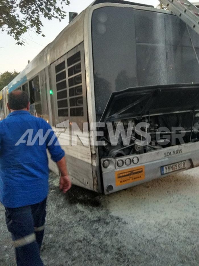 Λεωφορείο με επιβάτες πήρε φωτιά  στην Κηφισίας εν κινήσει - εικόνα 2