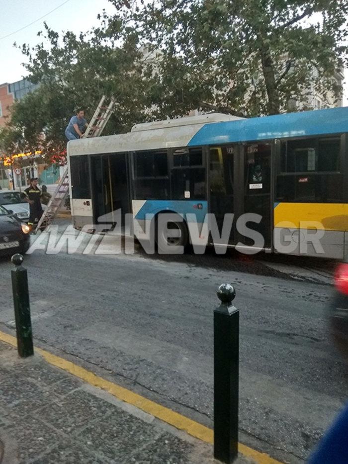 Λεωφορείο με επιβάτες πήρε φωτιά  στην Κηφισίας εν κινήσει - εικόνα 3