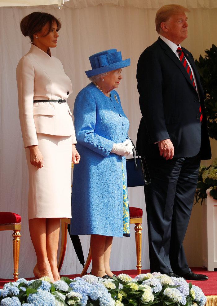 Η... τριπλή «προσβολή» του Τραμπ και της Μελάνια προς τη βασίλισσα [Βίντεο]