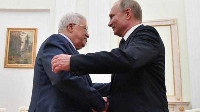 O Μαχμούντ Αμπάς στο Κρεμλίνο με τον Βλαντιμίρ Πούτιν