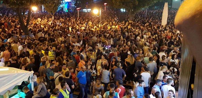 Πανηγυρισμοί σε 15 πόλεις της ΠΓΔΜ για τo ΝΑΤΟ [Εικόνες] - εικόνα 3