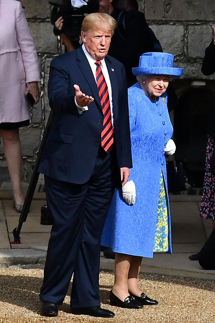 Ο Τραμπ καλοπιάνει τη βασίλισσα μετά το στήσιμο: Είναι όμορφη, πολύ όμορφη - εικόνα 2