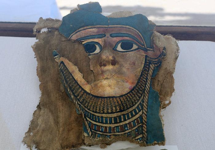 Αρχαιοελληνικής τεχνοτροπίας η επιχρυσωμένη μάσκα μούμιας