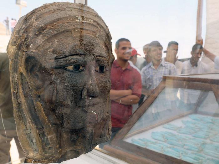 Αρχαιοελληνικής τεχνοτροπίας η επιχρυσωμένη μάσκα μούμιας - εικόνα 2