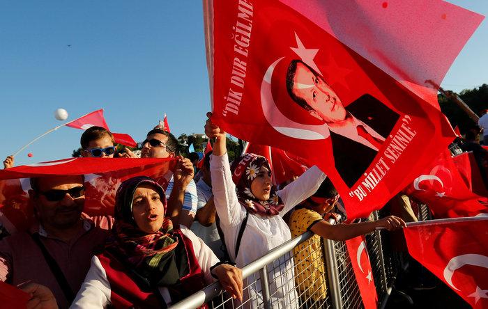Μήνυμα Ερντογάν: «Δεν θα ξεχάσουμε όσους προστάτευσαν τους πραξικοπηματίες»
