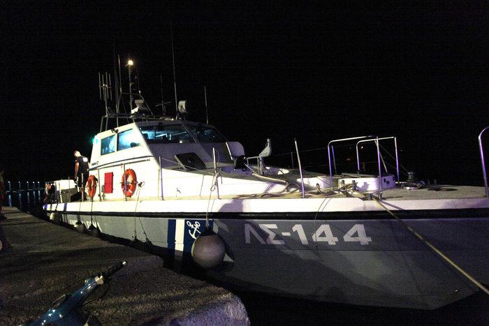 Σκάφος με 56 μετανάστες στον Αστακό- Έφευγαν για Ιταλία (φωτό)