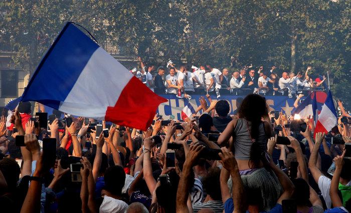 Το Παρίσι υποκλίθηκε! Το πάρτι των θριαμβευτών του Μουντιάλ - εικόνα 2
