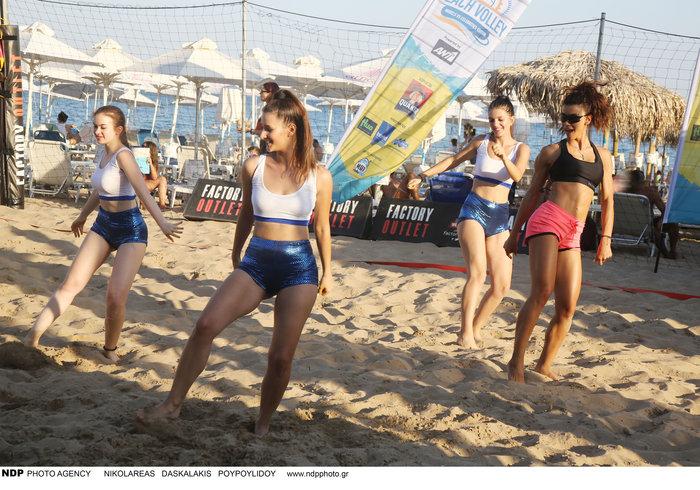 Ειρήνη Παπαδοπούλου: Αθλείται στην παραλία και δείχνει τους κοιλιακούς της - εικόνα 2