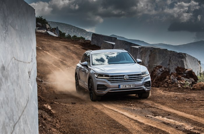 Στις εκθέσεις το νέο VW Touareg: Εκδόσεις, τιμές και εξοπλισμός - εικόνα 2