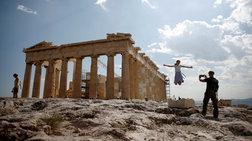iptamenoi-touristes-stin-akropoli-se-entupwsiaki-fwtografia