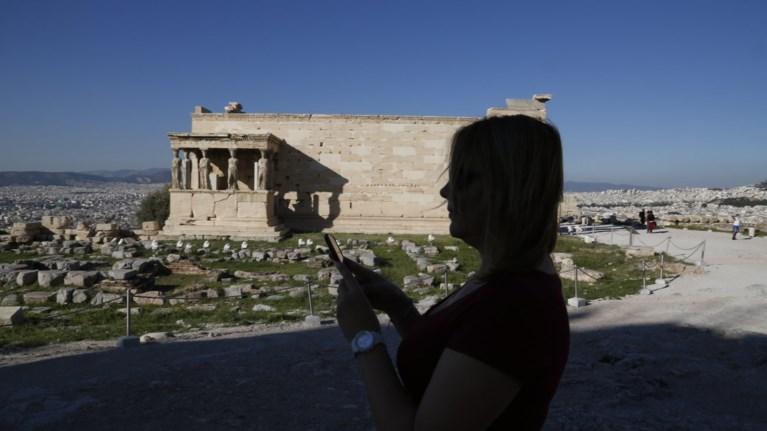 logw-kauswna-kleinei-nwritera-i-akropoli