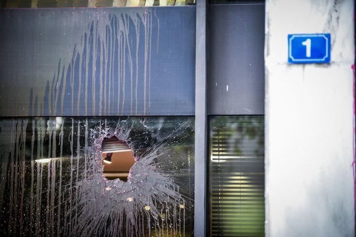Το βίντεο από την επίθεση του Ρουβίκωνα στο ΥΠΕΞ - εικόνα 2