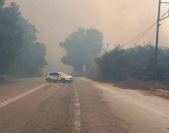 Ανεξέλεγκτη  φωτιά στα Χανιά, πνέουν δυνατοί άνεμοι ΕΙΚΟΝΕΣ