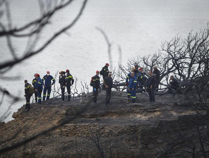 Ανείπωτη τραγωδία: Αγκαλιασμένοι κάηκαν ζωντανοί στην παραλία στο Μάτι - εικόνα 6