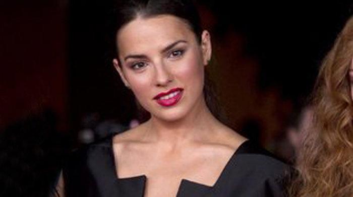 Η Ελληνίδα του Χόλιγουντ που μαζεύει χρήματα για τους πληγέντες