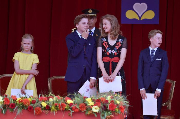 Royal Chic: Η όχι τυχαία εμφάνιση της βασιλικής οικογένειας του Βελγίου - εικόνα 6
