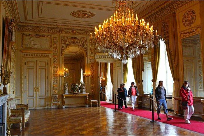 Royal Chic: Η όχι τυχαία εμφάνιση της βασιλικής οικογένειας του Βελγίου - εικόνα 17