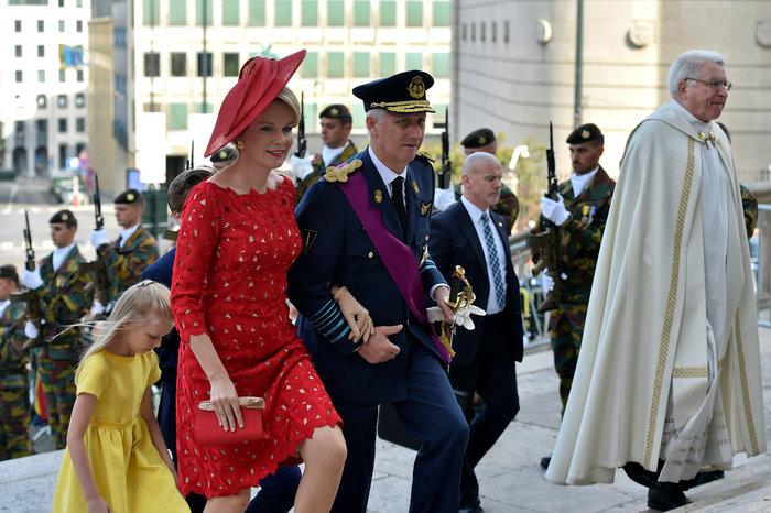 Royal Chic: Η όχι τυχαία εμφάνιση της βασιλικής οικογένειας του Βελγίου - εικόνα 3