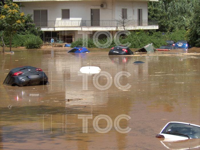 Απίστευτες εικόνες: Πλημμύρισε το Μαρούσι από την καταιγίδα - εικόνα 3