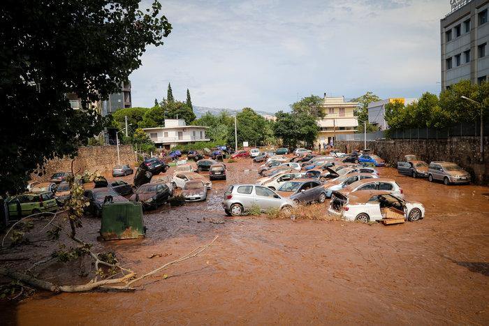 «Πόλεμος» Δούρου - Πατούλη για τις πλημμύρες στο Μαρούσι