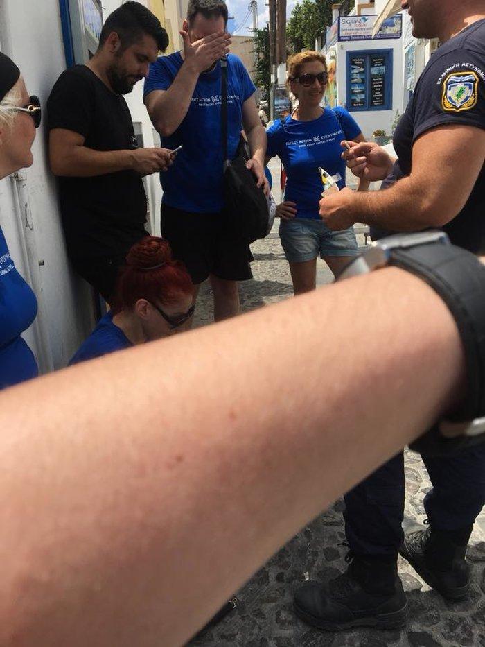Σαντορίνη: Επίθεση σε διαμαρτυρία για κακοποίηση στα γαϊδουράκια φωτό video - εικόνα 2