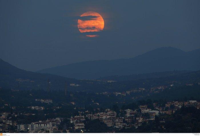 Το «ματωμένο φεγγάρι» από τον ουρανό της Ελλάδας - εικόνα 5