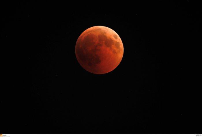 Το «ματωμένο φεγγάρι» από τον ουρανό της Ελλάδας - εικόνα 6