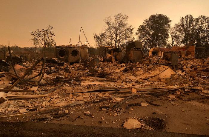 Φωτιές στην Καλιφόρνια: 38.000 άφησαν τα σπίτια τους