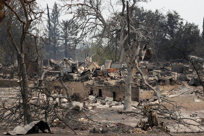 Φωτιές στην Καλιφόρνια: 38.000 άφησαν τα σπίτια τους - εικόνα 2