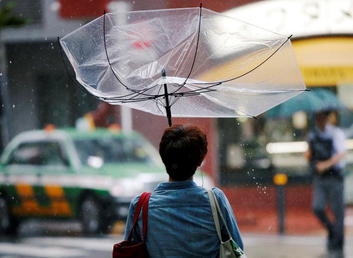 Ιαπωνία: Μετά τις φονικές πλημμύρες, επίθεση  ισχυρού τυφώνα