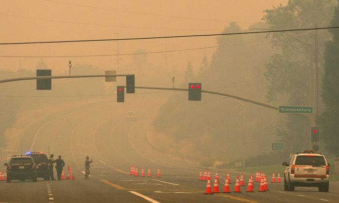 Μεγάλες φωτιές στην Καλιφόρνια: Πέντε νεκροί και 17 αγνοούμενοι - εικόνα 2