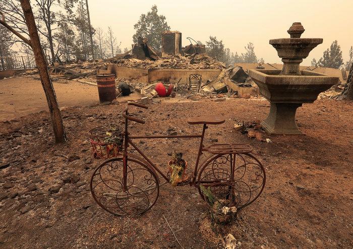 Μεγάλες φωτιές στην Καλιφόρνια: Πέντε νεκροί και 17 αγνοούμενοι - εικόνα 4