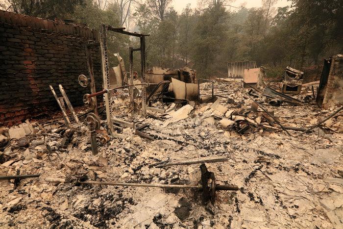 Μεγάλες φωτιές στην Καλιφόρνια: Πέντε νεκροί και 17 αγνοούμενοι - εικόνα 5