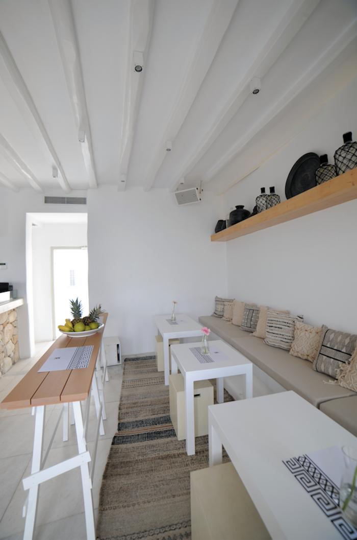 Σοφία Αλιμπέρτη: Η ζωή στην Πάρο και το υπέροχο καφέ - μπαρ δίπλα στο κύμα - εικόνα 6