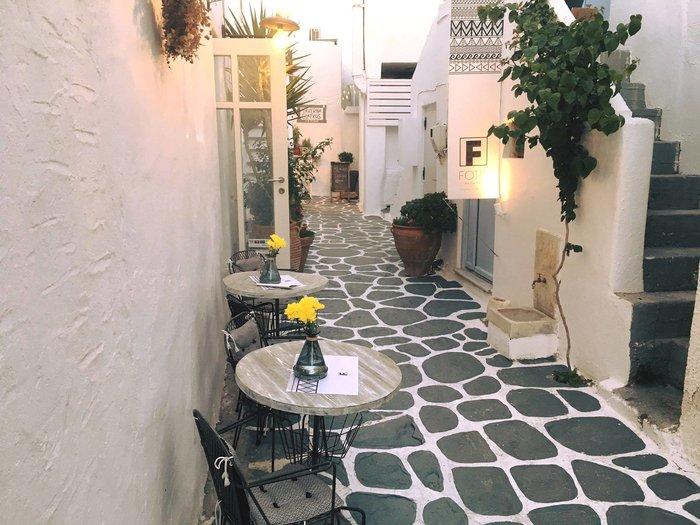 Σοφία Αλιμπέρτη: Η ζωή στην Πάρο και το υπέροχο καφέ - μπαρ δίπλα στο κύμα - εικόνα 9