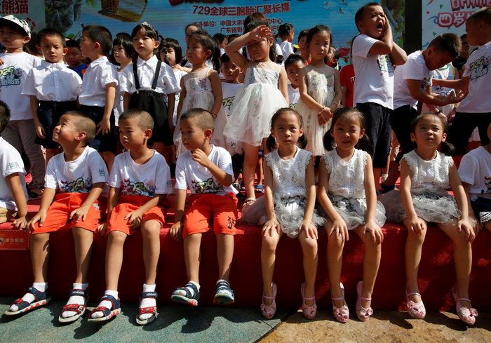 Πάρτι γενεθλίων για τα μοναδικά γιγαντιαία τρίδυμα panda στον κόσμο! - εικόνα 6